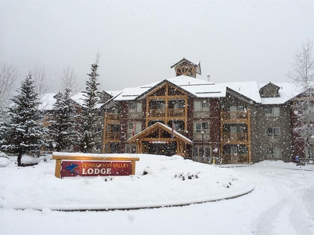 Pemberton Valley Lodge Winter