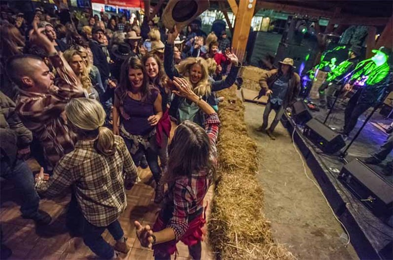 Pemberton Barn Dance - Crowd